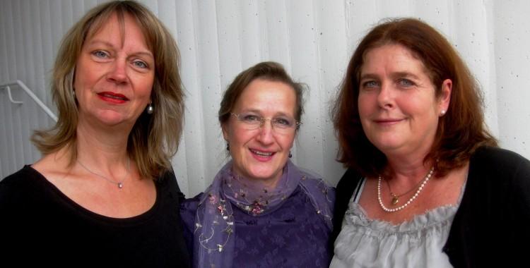 Solisten sind Katrin Simon (Gitarre), Reinhild Steinschulte (Sopran) und Antonia Schwager (Flöte)