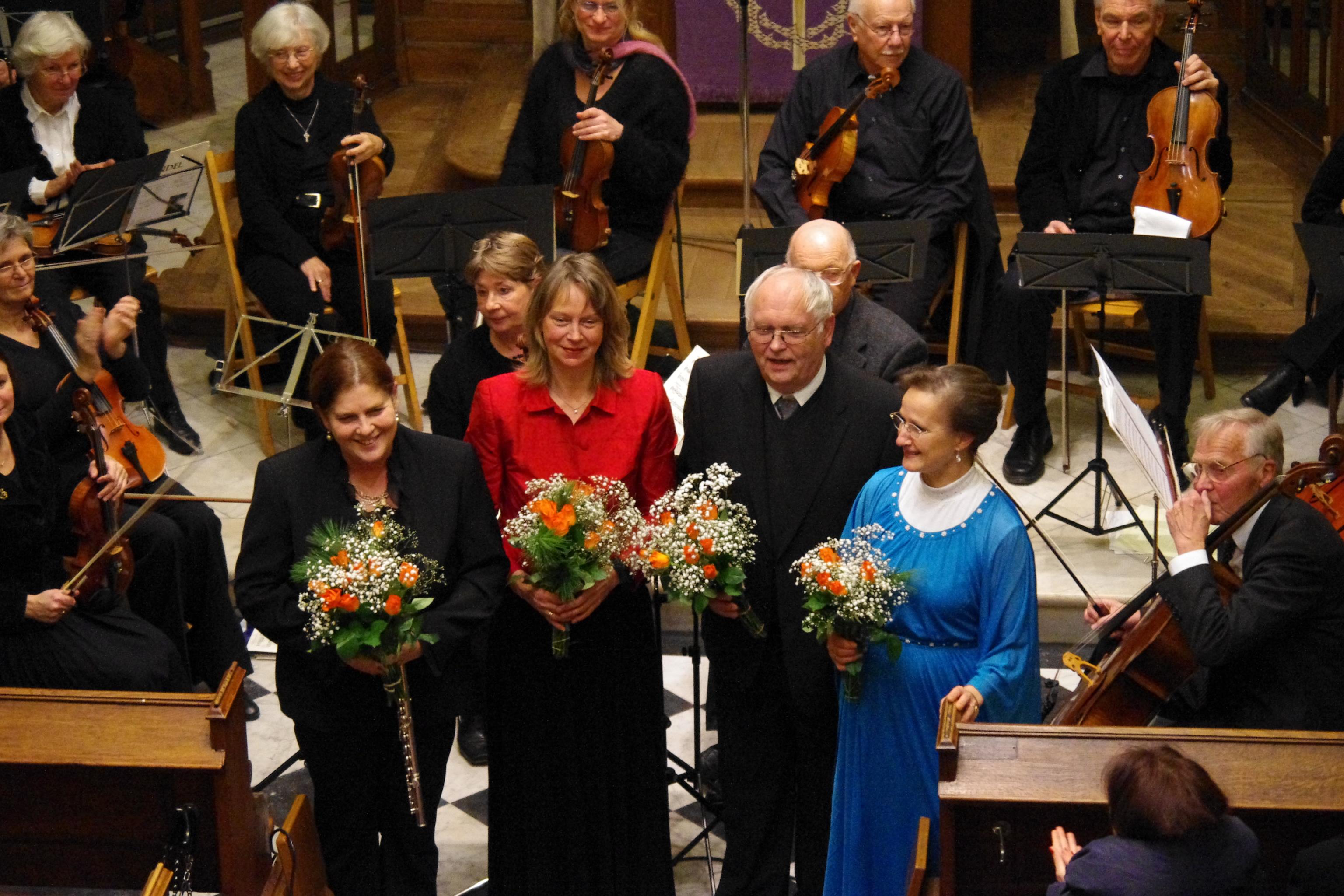 Der Dirigent und die Solistinnen: Antonia Schwager, Katrin Simon, Rolf Beitzel, Reinhild Steinschulte