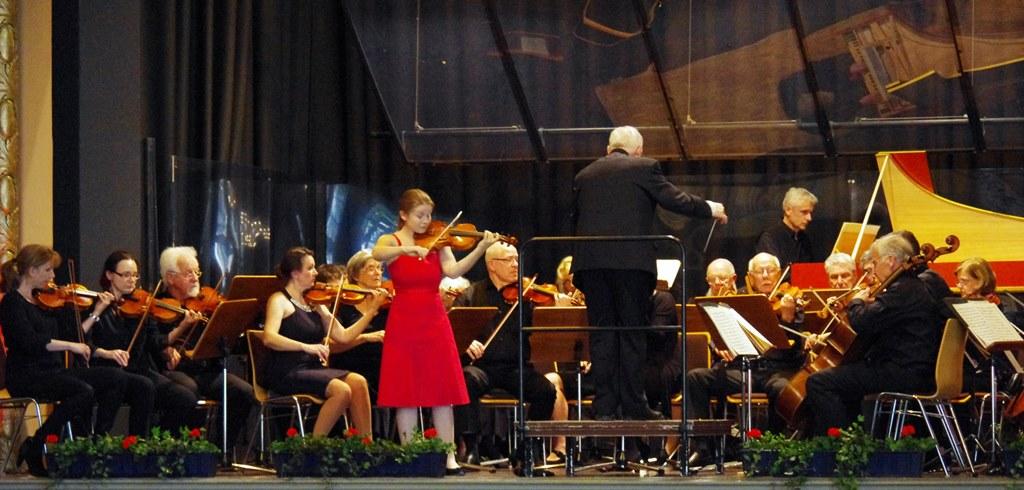 Ein perfektes Zusammenspiel: Solistin Theresa Lier und das COLLEGIUM MUSICUM Bad Honnef